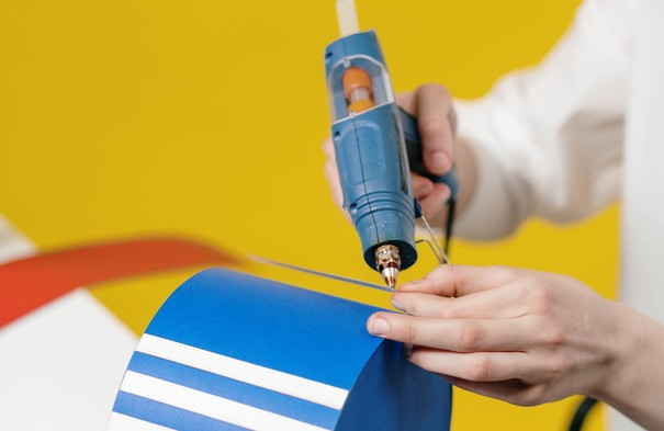Different kinds of Glue Guns